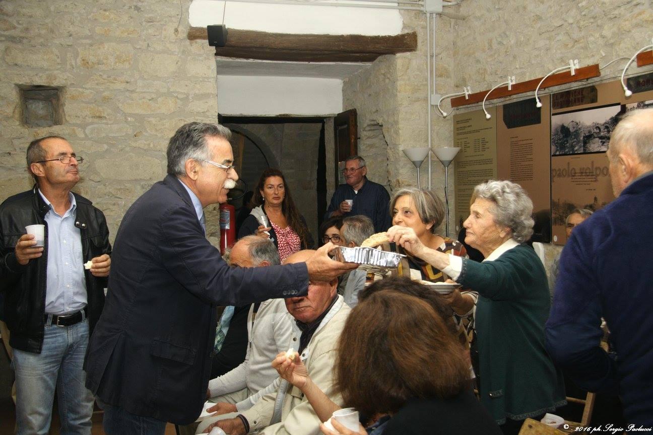 Dé Luigi Auguri A – Foss Cappella D'là qSzVpUMG